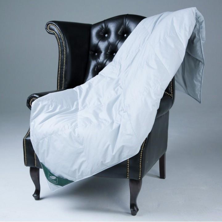 Одеяло пухо-перовое кассетное всесезонное «Flaum Frühling Kollektion» (150х200 см; наполнитель: 90% серый гусиный пух, 10% кончики пера; чехол: мако-сатин, 100% хлопок)