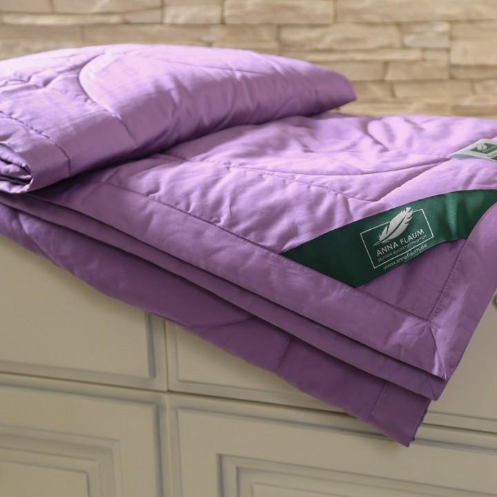 Одеяло хлопковое облегченное стеганое «Flaum Farbe Kollektion» (цвет: фиолетовый; 200х220 см; наполнитель: 100% органический хлопок; чехол: мако-сатин, 100% хлопок)