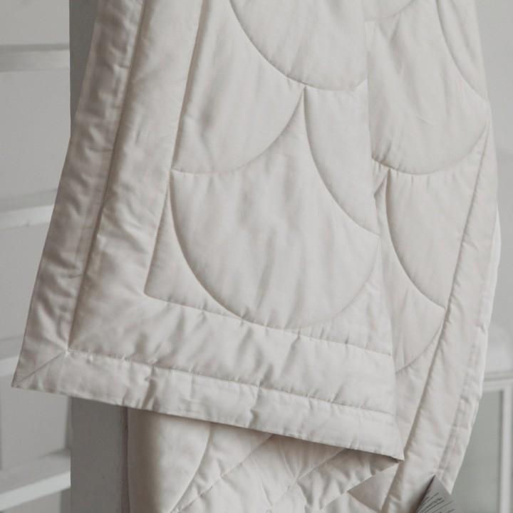 Одеяло хлопковое облегченное стеганое «Flaum Farbe Kollektion» (цвет: кремовый; 150х200 см; наполнитель: 100% органический хлопок; чехол: мако-сатин, 100% хлопок)