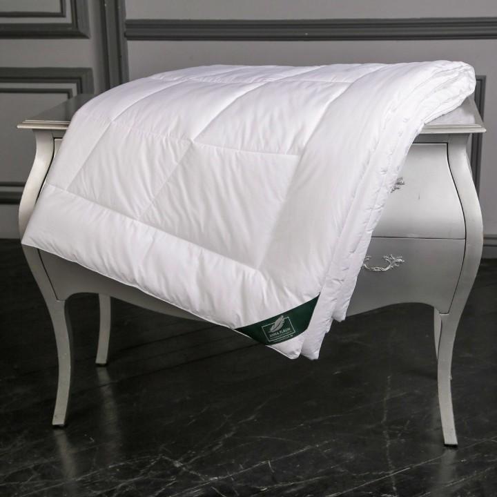 Одеяло облегченное стеганое «Flaum Mais Kollektion» (200х220 см; наполнитель: 80% маисовое волокно, 20% бамбуковое волокно; чехол: мако-сатин, 100% хлопок)