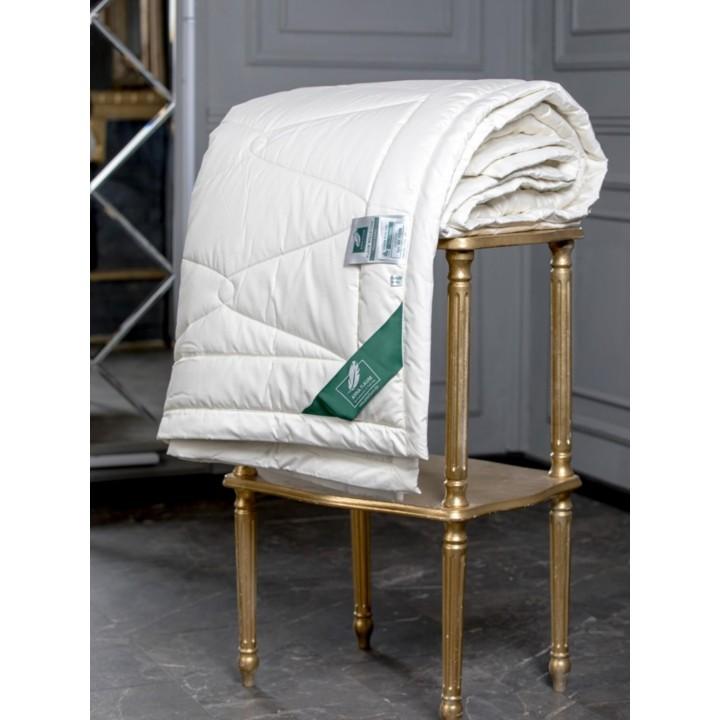 Одеяло шерстяное теплое стеганое «Flaum Kamel Kollektion» (172х205 см; наполнитель: 80% верблюжий пух, 20% полилактид; чехол: мако-сатин, 100% хлопок)