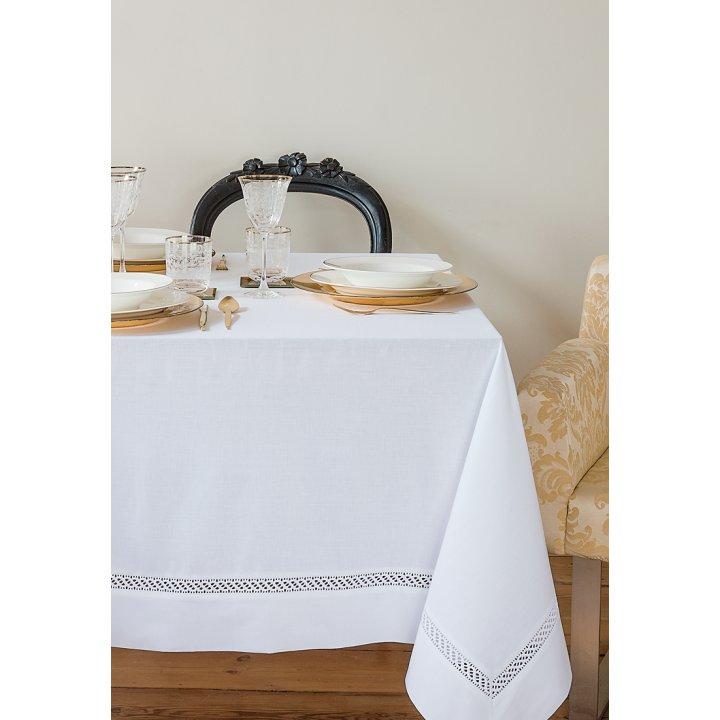 Скатерть «Holiday» с мережкой и вышивкой, цвет: белый (160х320 см; 70% хлопок, 30% полиэстер; тефлоновое покрытие)