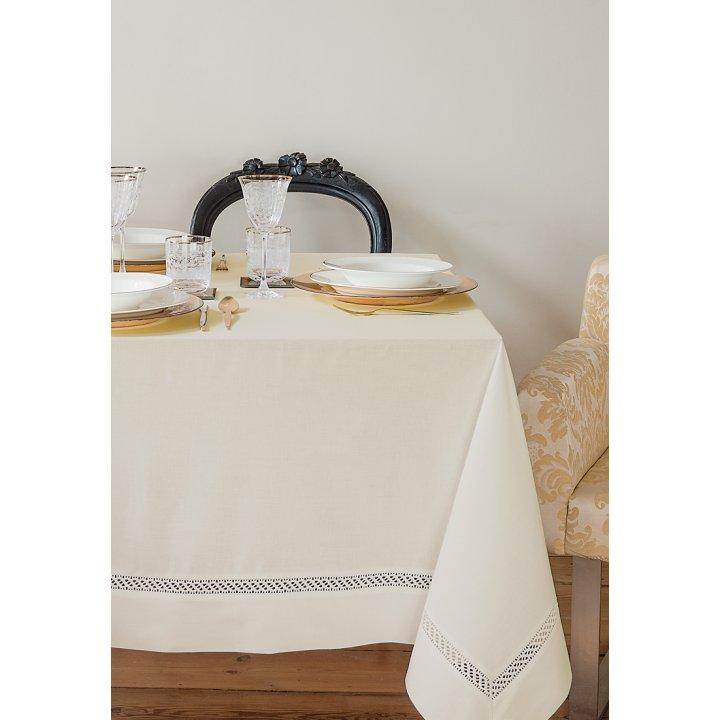 Скатерть «Holiday» с мережкой и вышивкой, цвет: экрю (160х240 см; 70% хлопок, 30% полиэстер; тефлоновое покрытие)