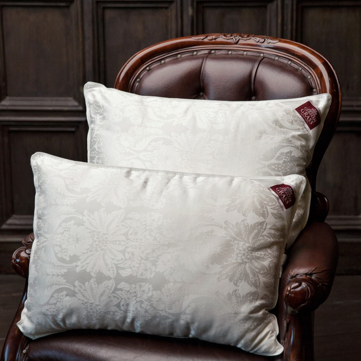 Подушка шелковая средняя «Fly Silk Grass» (68х68 см; наполнитель: 70% шелк Mulberry, 30% полиэфирное 4-L волокно ; чехол: жаккард, 80% тенсель, 20% хлопок; цвет: белый)