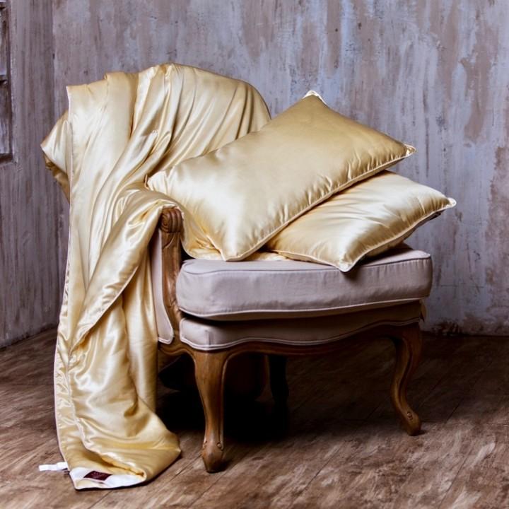 Подушка шелковая мягкая «Great Silk Grass» (50х68 см; наполнитель: 100% шелк Mulberry; чехол: шелковый сатин, 85% шелк, 15% хлопок; цвет: шампань)