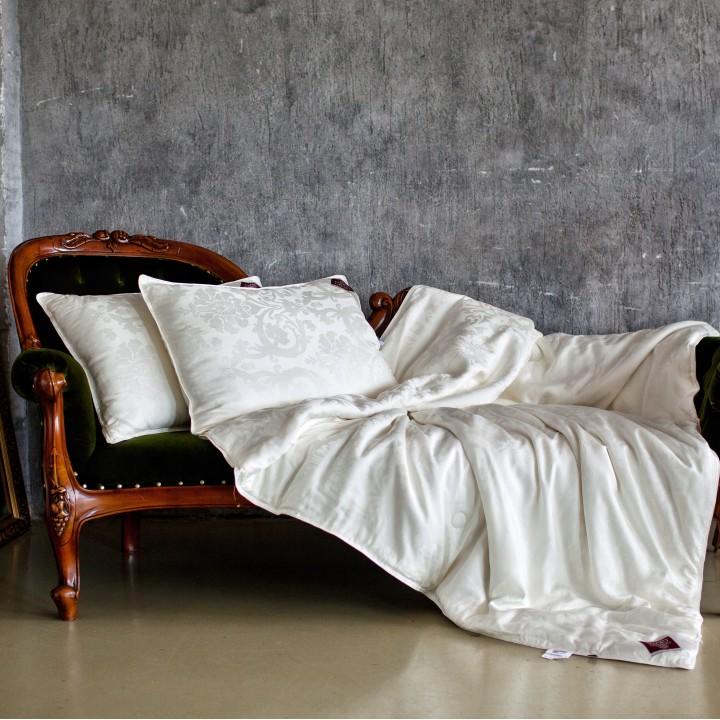 Одеяло шелковое всесезонное «Luxury Silk Grass» (220х240 см; наполнитель: 100% шелк Mulberry; чехол: жаккард, 100% тенсель; цвет: белый)
