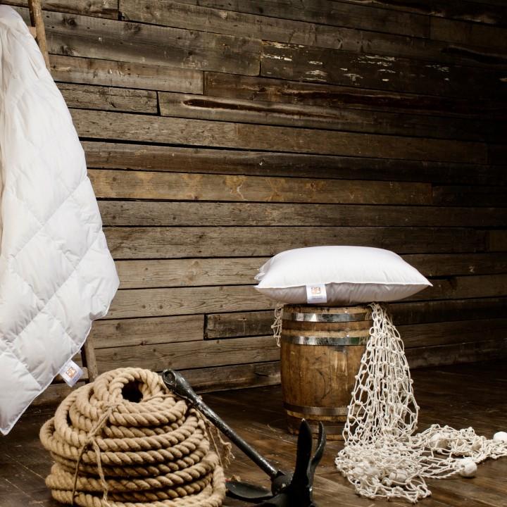Подушка детская пуховая мягкая «Kinder Snow Grass» (50х68 см; наполнитель: 100% белый гусиный пух; чехол: батист, 100% хлопок; цвет: белый)