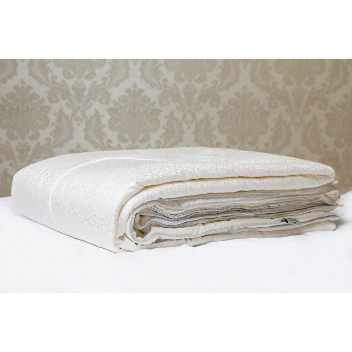 Одеяло шелковое всесезонное «Luxury Silk» (200х220 см; наполнитель: 100% шелк Mulberry, высшая категория; чехол: жаккард, 35% шелк, 65% хлопок; цвет: айвори)